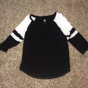 Black and white quarter sleeve shirt